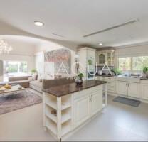 Villas for Sale in Meadows
