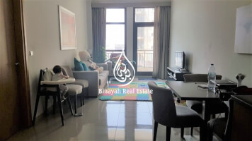 Property for Sale in Lincoln Park