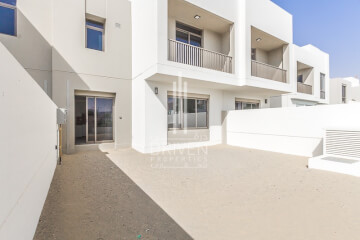 Residential Villa for Sale in Hayat Townhouses 2, Buy Residential Villa in Hayat Townhouses 2