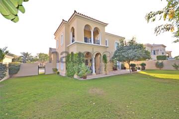 Residential Villa for Sale in Alvorada, Buy Residential Villa in Alvorada