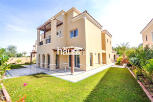 Residential Villa for Sale in La Avenida, Buy Residential Villa in La Avenida
