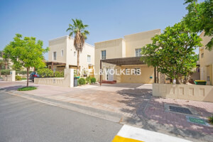 Villas for Rent in The Lakes, Dubai