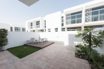 Townhouses for Sale in Dubai, UAE
