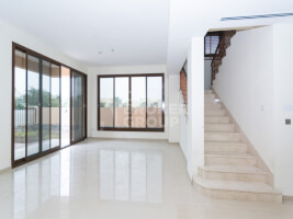 Property for Sale in Jumeirah Islands