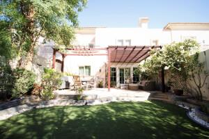 Residential Townhouse for Sale in Al Reem 1, Buy Residential Townhouse in Al Reem 1