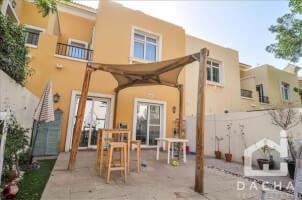 Residential Townhouse for Sale in La Avenida, Buy Residential Townhouse in La Avenida