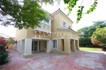 Residential Villa for Sale in Alvorada 2, Buy Residential Villa in Alvorada 2