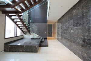 Luxurious Villa   With Pool & Garden