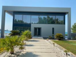 Hot  deal 4 bedroom Water Villa on the glorious Nurai Island
