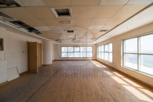 Extremely Bright   Spacious   Commercial Office