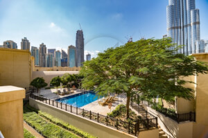 Amazing View of Fountain and Burj Khalifa