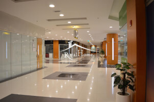 BEST PRICE |Amazing Open plan Showroom in Park Towers