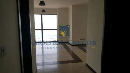 Spacious 2 bedrooms with Sea & Marina View