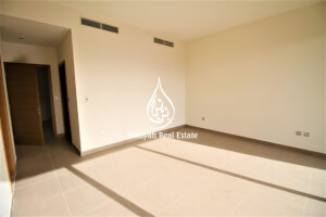 Ready to Move in|4 BR +M||Corner Unit | Type E2 |
