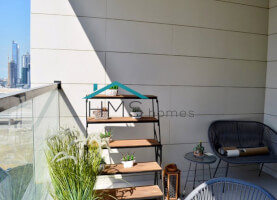 1 Month free | Massive & bright | 2 parkings