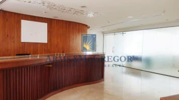 Full floor office space, ROI 9.3% - Ideal Investment!