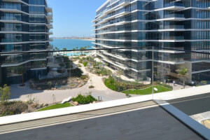 Bright and Spacious 2BR with Resort Palm View
