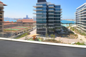 Gorgeous 1 bed with lush landscaping with Palm views