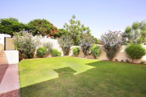 Spacious Plot  Landscaped Garden   Investment Deal