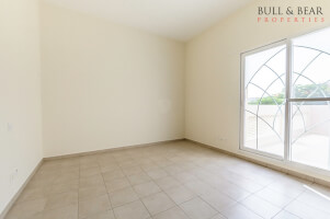 Many Option   Freehold   3br   Close to pool