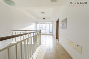 3Br |Freehold | Middle unit |study+maid's