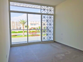 Genuine Listing 3BR+M Near to Pool and Park