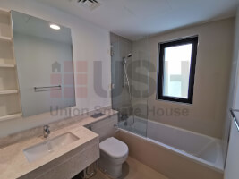 Brand New 4Br Townhouse Close to Pool and Park.
